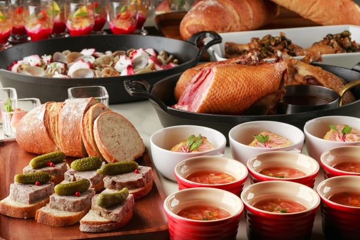 こちらは、1月~3月のランチブッフェメニュー。ひと手間もふた手間も加えられた繊細なお料理が揃っています。ホテル内のレストランならではの魅力です。