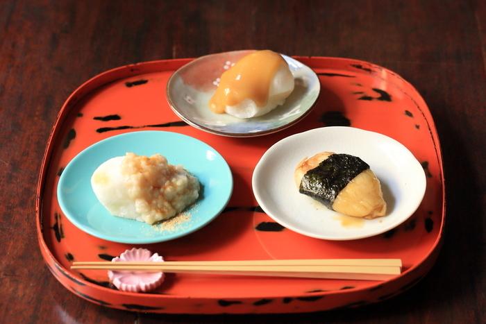 白玉あんみつやぜんざいなど、和のスイーツメニューもあるので、カフェタイムやちょっとした休憩にも利用できますよ。京風白みそ風味、甘酒きなこなど京都らしいフレーバーが味わえる焼きもち三種も人気です。