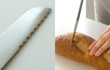 そして何と言っても切れ味。ギザギザじゃないブレッドナイフって見たことありませんよね。刃先だけがギザギザなっているのはきっかけを入れる為。後はギザギザの無い刃で切れば切り口が素晴らしく綺麗になります。とにかく切れ味抜群でパンのクズが少ないことに驚きます。