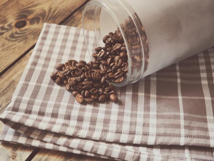 皆さんは、コーヒーやお茶をどのように保存していますか?袋に入れておくのも良いですが、保存用の缶を使うのもおすすめです。可愛いものからスタイリッシュなものまで、素敵なデザインの缶がたくさんありますよ。もちろん、しっかりと密閉できるので保存にぴったり。今回は、おすすめのコーヒー缶や茶筒をご紹介します!