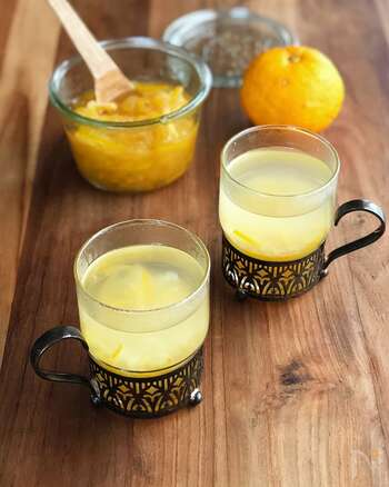 柚子などの柑橘系の食材に多く含まれるビタミンCは、体温を維持してくれる効果があります。さらに爽やかな香りにより交感神経を活性化し、血管を広げて血流を良くしてくれるのです。
