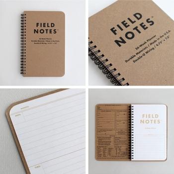フィールドノートにはウィークリータイプは、56週分と長期間に対応できるのもうれしい。  見開きで1周間の予定を管理できるので、簡単な日々の日記帳としても素敵ですね。
