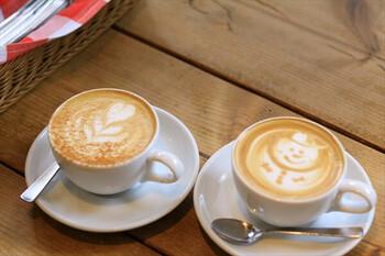 ボンダイカフェ名物の可愛いラテアートにも注目。見た目が可愛いだけじゃなく、コーヒー好きも納得の美味しさです。