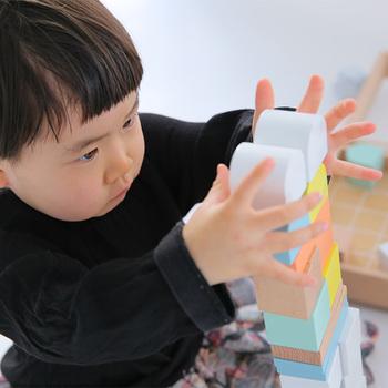 商品はすべてCE(ヨーロッパEU諸国共通の玩具安全基準)をクリア。食品検査にも合格している塗料を使用し、お子さんが口にしても安心です。