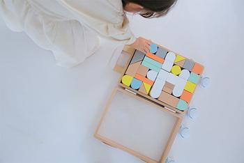 古くから世代を超えて愛されていて、シンプルだけど遊び方が無限大な「積み木」。お子さんの創造力や感性を育む積み木を選んで、遊びの時間を一緒に楽しむのはいかがでしょうか?