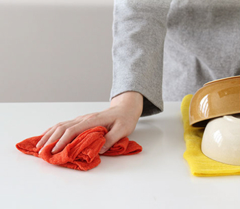 使っていくにつれてふんわりと柔らかくなっていくのも花ふきんの特徴です。食器を拭いたり、出汁をこしたり、茶巾やお弁当包み、そして使い古したら雑巾に、丈夫なので暮らしの中で最後まで活躍してくれます。