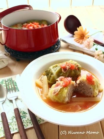 寒い時期に食べたいあったかレシピ。コンソメを使えば簡単に味が決まります。トマトの酸味が爽やかですよ。大きなお鍋にぎっしり作れば、おもてなしにも活躍します!