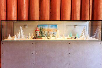 1階はムーミンの絵やグッズ、童話の歴史に関連する資料などが展示されており、見ごたえ十分です。