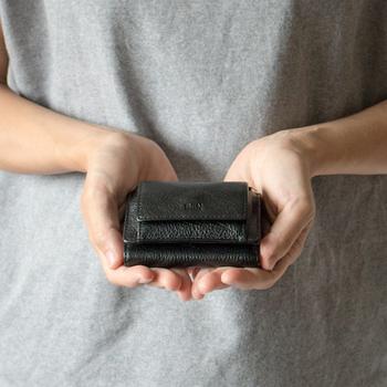 一度使い出したらその魅力にはまる、コンパクトで機能的な「ミニ財布」。自分の生活スタイルに合ったお気に入りを見つけて、生活のお供にしませんか?