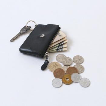コンパクトでたくさんのレシートを溜めておけるほどの容量はないので、こまめにお財布を整理するようになります。だから、レシートがたまらないですし、いつもお財布の中をすっきり保てます。