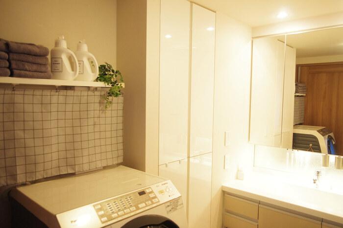 洗面所インテリアで忘れてはならないのが「清潔感」です。家族が毎日使う場所であり、汚れやすい水まわりですが、いつもきれいな状態を保ちたいもの。そのためには、ちょっとした工夫が必要です。