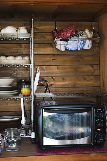 庫内のファンで熱を循環させることで対流を作り、早く均一に加熱できるオーブン。トーストの表面はカリっと、中はもちっと水分を保ったまま焼けます。