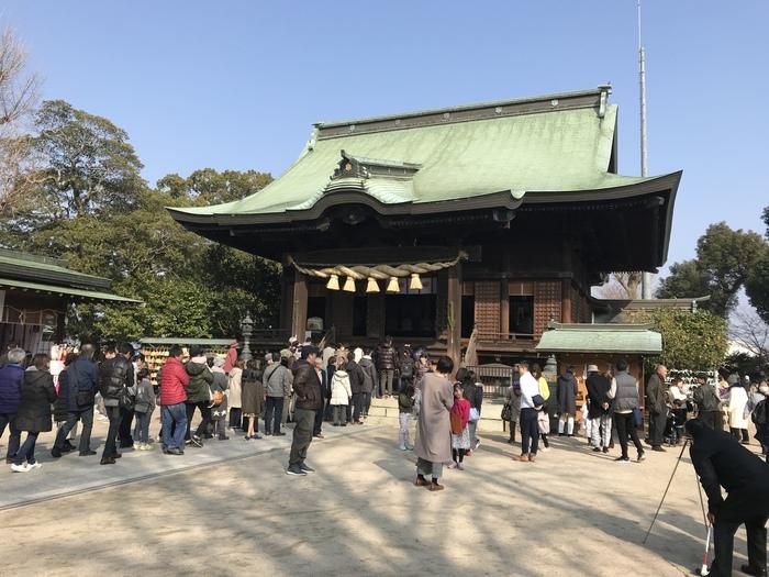 全国にある水天宮の総本宮が、福岡の水天宮です。九州一の長さを誇る筑後川のすぐそばに鎮座しています。安産の神様が祀られていることで有名ですが、子授けのご利益もあります。
