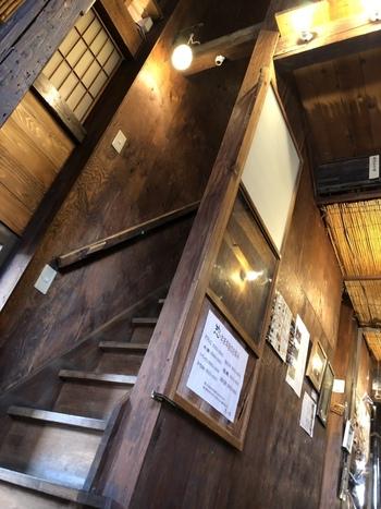横長ではなく、縦長の長屋をリノベーションした一角にある『クーデリー カフェ』。入り口は、雑貨屋さんの奥にあるので、うっかり見落としがちなんです。要注意!