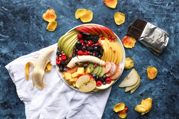 ビタミンA・ビタミンCなどを豊富に含み、アンチエイジングやしわ・そばかすの原因となるメラニンの生成を抑えるお手伝いをしてくれる、フルーツ&野菜は積極的に摂取しましょう!