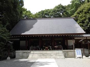 夫婦で祀られていることから、結婚式場としても人気です。野木神社で結婚式を挙げ、それから子宝祈願、安産祈願のために訪れる方も多くいます。