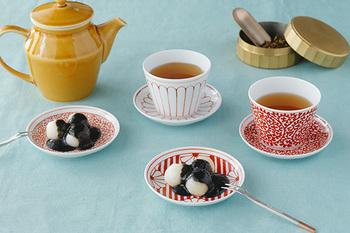 和の文様がデザインされた小皿は、和菓子との相性抜群です。直径約10cmという大きさは、ちょっとしたお菓子やおつまみを入れるのにちょうど良いですよ。5種類からお好みのデザインをお選びください♪