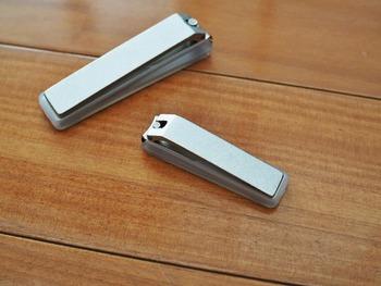 スチール製爪切りで、4種類のヤスリが備わっています。 刃のクオリティが高く、爪が割れにくく切れ味が良いと好評です。 小さく握りやすいので、お子様にも使いやすいのだそう。