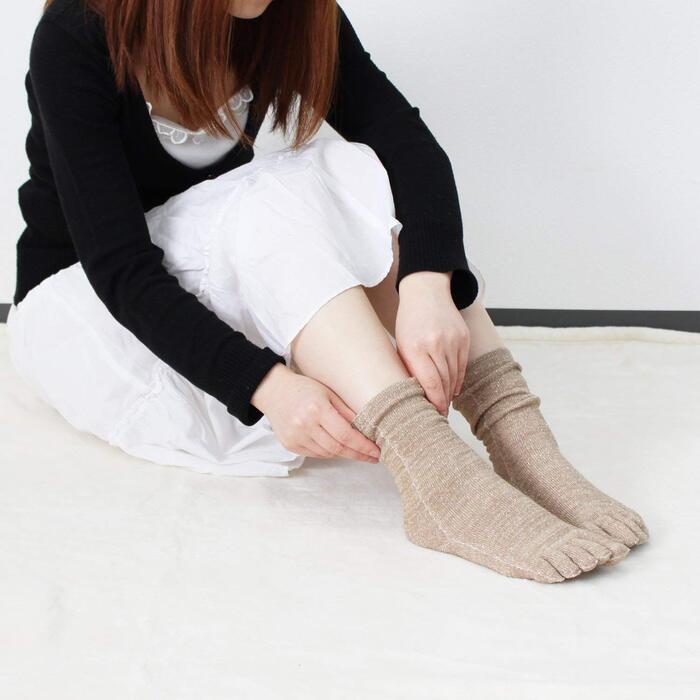 hiorie(ヒオリエ) 日本製 冷えとり靴下 内絹外綿 ミドル丈 5本指 シルクソックス 2足セット 杢ベージュ