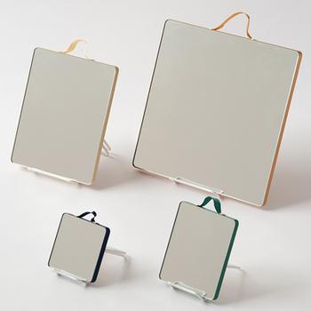 最後にご紹介する鏡もデンマークからお届け致します♪こちらデンマークのコペンハーゲン発のインテリアブランドHAYの「ルーバン ミラー」もまた、すっきり感のある全面鏡となっているタイプの鏡です*