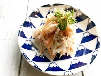 和風、洋風、中華風と、色々なレシピがある大根サラダ。大根の千切りとドレッシングだけでも美味しくいただけるレシピや、様々な食材と相性が良いので覚えておくと忙しい日のお助けレシピとして活躍してくれそう。