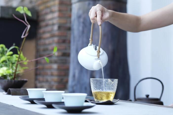 また、お茶の専門店や豆の仕入れからこだわるコーヒー専門店も、おすすめ。店内が茶葉や、コーヒー豆の香りに満たされるよう工夫すれば、お客様をより幸せな気持ちにする空間を演出できます。