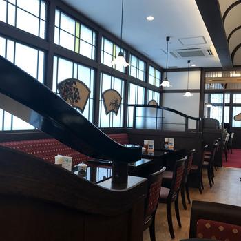 国分寺駅直結でアクセス抜群の「椿屋カフェ」。店内は和の要素を取り入れつつ、昭和の純喫茶のようなクラシカルな雰囲気が漂っています。