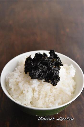 レンジで加熱するだけの簡単レシピ。優しい味わいの佃煮で、朝ご飯のお供にぴったりです。