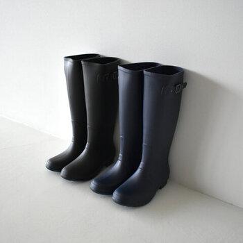 1974年に設立されたレインシューズブランド「igor(イゴール)」。全ての工程を「靴作りの国」として知られる、スペイン国内で行った完全なスペイン製。技術に誇りを持つ職人技が、高いクオリティーを実現しています。