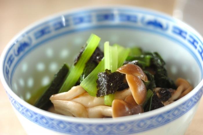 ポン酢とごま油の香りが食欲をそそるひと品。彩りが美しいので、お弁当に入れてみるのもいいですね。いつもの和食で定番の副菜として、仲間入りさせてみては。