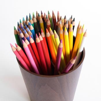 色鉛筆は36色セットから120色セットまで、全部で4種類。楽しみ方に合わせて選んでみてください。