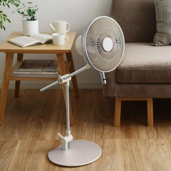 「自然に学んだ、やわらかい風」をコンセプトに開発された扇風機「カモメファン」。自宅にさわやかな風を運んできてくれます。
