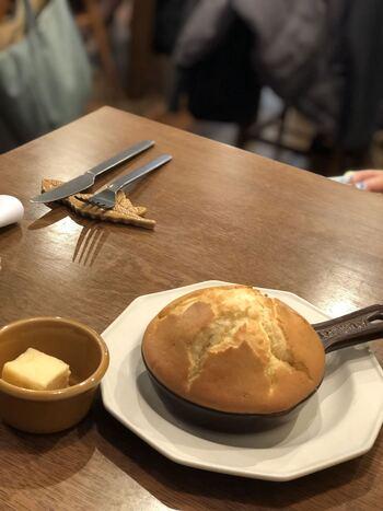 そのほか、こちらの「パンケーキ ラムバター」に「アップルパイアイスクリーム添え」など・・見逃せないデザートがたくさん。