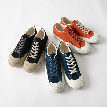 1873年の創業以来、一人ひとりに心地よい靴を目指し靴を作り続けている日本のブランド「MOONSTAR(ムーンスター)」。ちょっぴりレトロ感あるシンプルなデザインが魅力です。