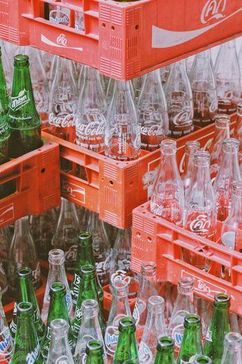 素人の私たちにはどれが再生利用しやすいプラスチックなのか、その判断は難しいですし、それを見極めることがエコの本質ではありません。  できる限りプラスチックが使用されていないパッケージを選ぶなど、小さくても確実に効果のある判断を積み重ねていきたいですね。