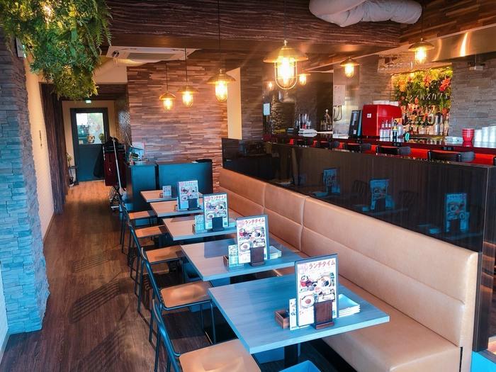 観光スポットとして人気の高い「不忍池」近くにある喫茶店です。御徒町駅や上野広小路駅からも近いため、お買い物中のランチなどでも利用しやすいお店です。