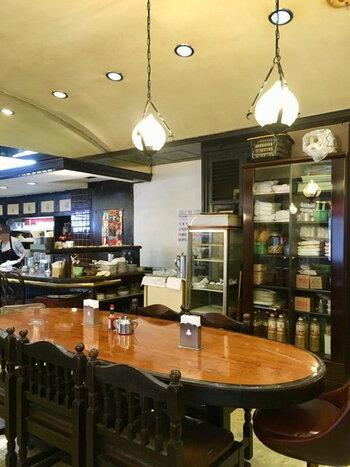 御徒町駅近くにあるシンプルで利用しやすい喫茶店です。カウンター席もあり、落ち着いた雰囲気で、オフィスワーカーにも人気のお店です。
