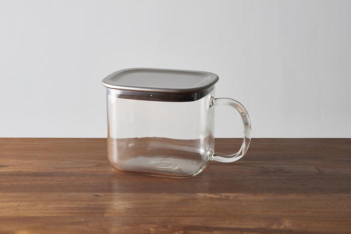 取っ手までガラスで作られた透明感がオシャレな保存容器です。ステンレス製の蓋でお手入れしやすく、パッキンもついているので密閉性もあります。
