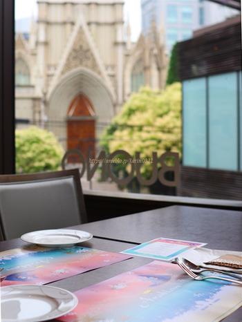 セントグレース大聖堂の系列店である「VINO BUONO」は、窓の外に大聖堂が見える絶好のロケーション。本格的なイタリアンダイニングとしてだけでなく、カフェとして気軽に利用できるのでぜひ立ち寄ってみませんか?