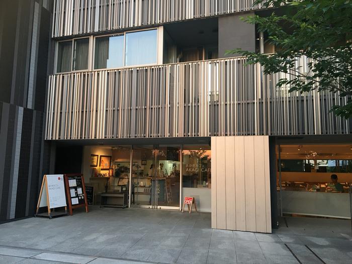 赤城神社は再生プロジェクトにより再建工事が行われ、リニューアルしました。境内及び社殿は著名建築家である隈研吾氏。スタイリッシュな建物にも注目しましょう。