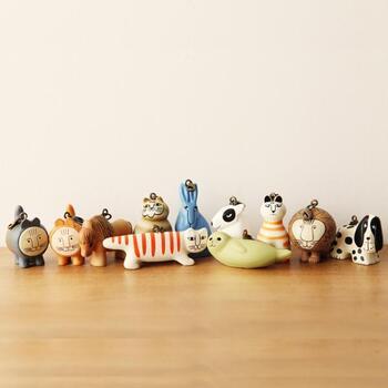 スウェーデンを代表する陶芸作家で、日本でも大人気のリサ・ラーソンの陶器をもっと気軽に取り入れてもらおうと、日本輸入代理店とリサ・ラーソン氏がコラボレーションして誕生したキーホルダーの数々。