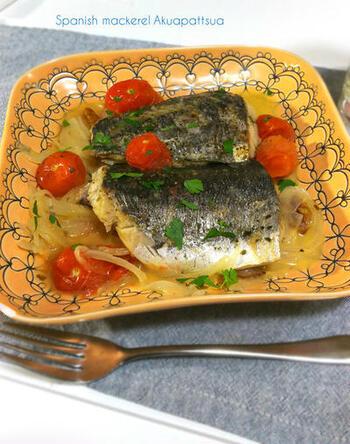 イタリアンならアクアパッツァがおすすめ。野菜と一緒に白ワインで蒸し焼きにすることで、素材の味を引き出してくれますよ。フライパンで作れる点もGOOD!