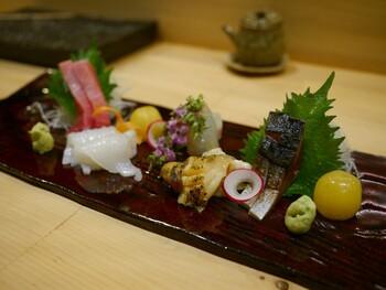 個室もあるので、夜に訪れた時は個室を予約してみてはいかがでしょうか?周りを気にせずに、のんびりとお寿司を味わうことができますよ。