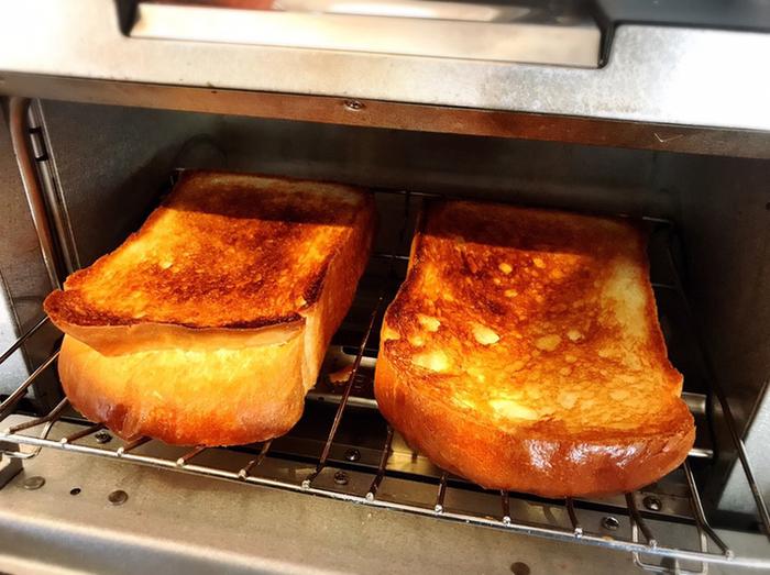 店内にはバルミューダのトースターもあるので、お好みに合わせて焼いて食べることができるんです。お台場発のコーヒーブランド「台場珈琲舎」のコーヒーと合わせて召し上がれ♪朝ごはんにぴったりの手作りサンドイッチもおすすめです。