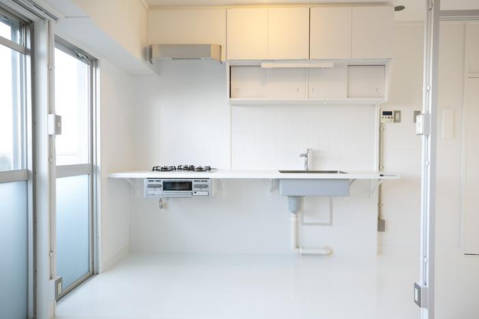 きれいな部屋に住みたいからと、新築や築浅に限定して探す人も多いですよね。でも家賃が高く、物件数も少ないのがネック...。築年数にこだわりすぎなければ、リノベ済みの綺麗なお部屋も見つけることができます!新築のお部屋よりも広く、安い家賃で見つかることも多いですよ。