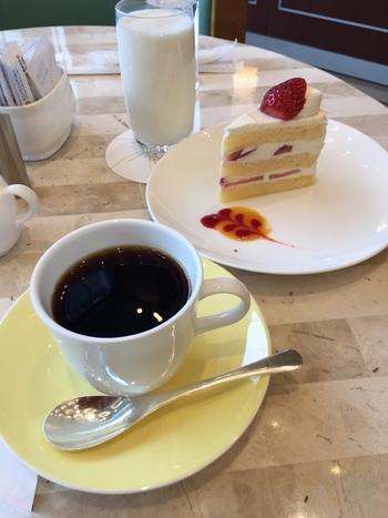 出されるケーキもホテルだけあって確かな美味しさ。時間を忘れてゆっくりしても、ドームへすぐに向かうことができるのもうれしいですね。