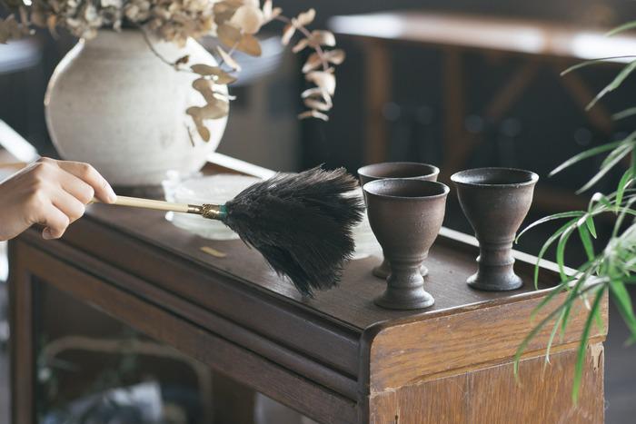1718年創業という老舗中の老舗である江戸屋さんの羽払いは、ふんわりと優しいタッチで埃を払ってくれます。手元に置いておけば、ささっといつでも手軽にお掃除しようという気持ちになります。