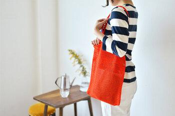 しっかりと撚りの強いレース糸なので、バッグなどの日常使いの品物にもおすすめ。