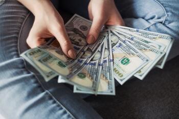 予め予算を決めておくことで、無駄な「ついつい買い」を防ぎましょう。