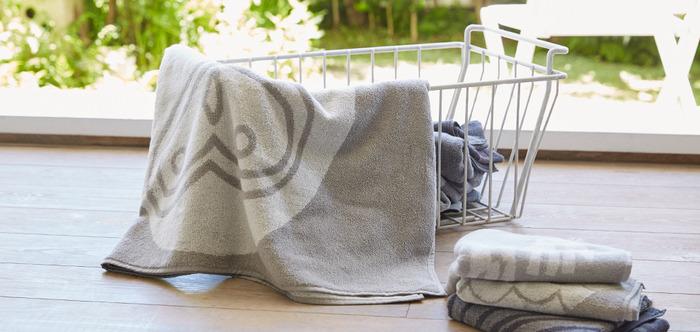 織り目が粗いガーゼは通気性がよいので、水に濡れてもすぐに乾きます。汚れてもすぐに洗濯できるので、衛生面でも安心ですね。